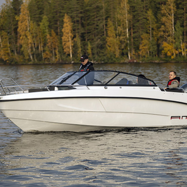 Bow rider AMT 210 BR 1
