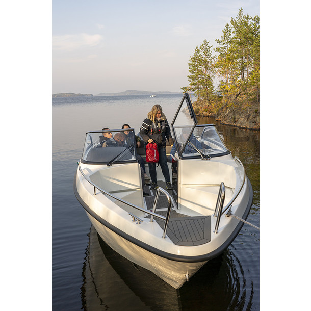 Bow rider AMT 230 BR 13