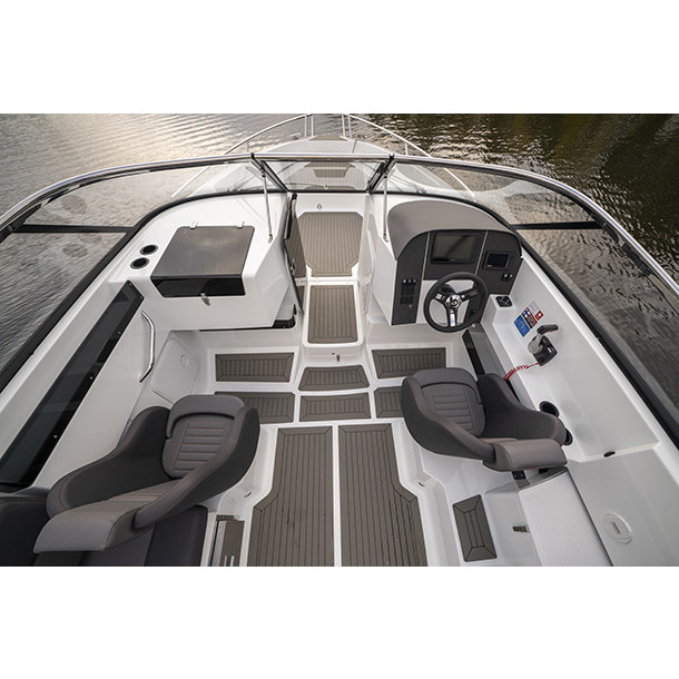Bow rider AMT 230 BR 6